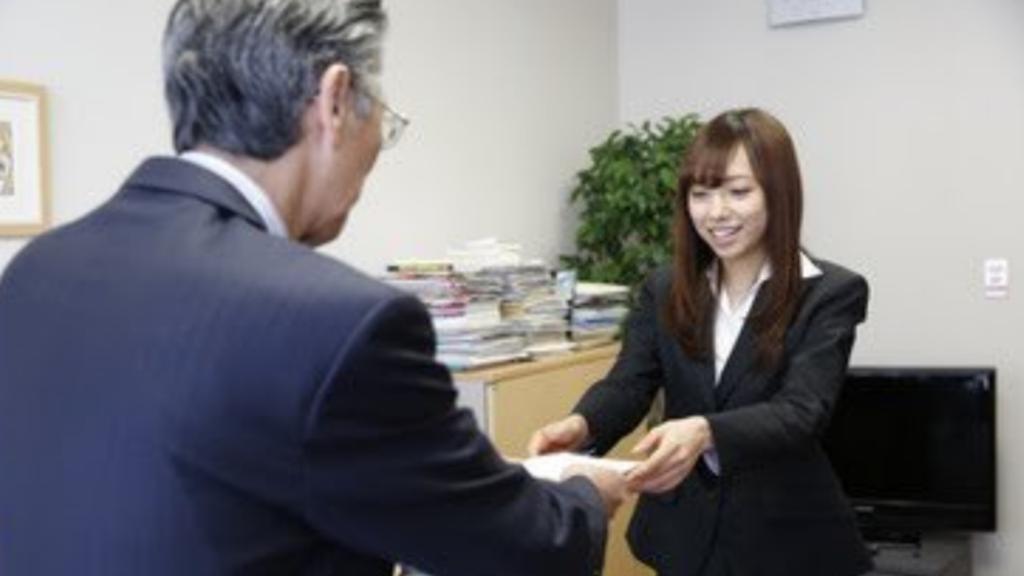 【新内眞衣】乃木坂46最年長としての役割~節約やラジオに会社員兼任の経験